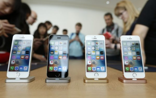1461931170_apple-denies-iphone-price-hikes-india